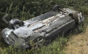 摩尔多瓦发生车祸,总统专车被卡车撞翻