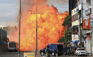 早安·世界|?#29260;?#29190;炸!斯里兰卡23日进入全国紧急状态