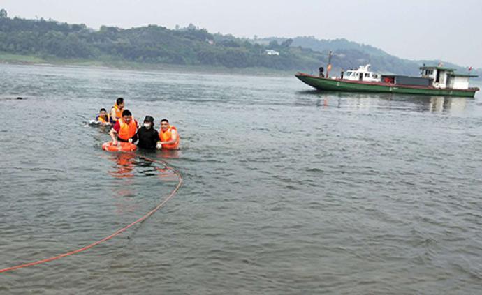 暖聞|四川男子受離婚刺激失聯數月,江中輕生被重慶民警相救