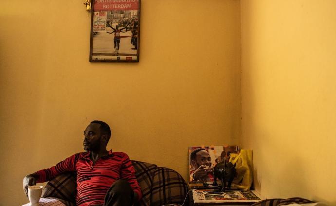 """暴富之后就是破产,来自非洲的跑者急需""""理财课"""""""