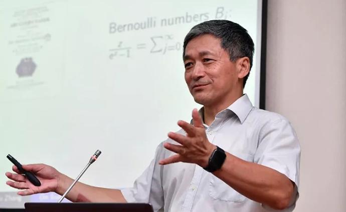 专访数学家张寿武:在数学殿?#32654;錚?#20381;然怀抱小学四年级的梦想