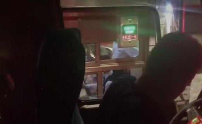 消防车救火归来遭收费站阻拦? 南昌消防和江西高速各执一词