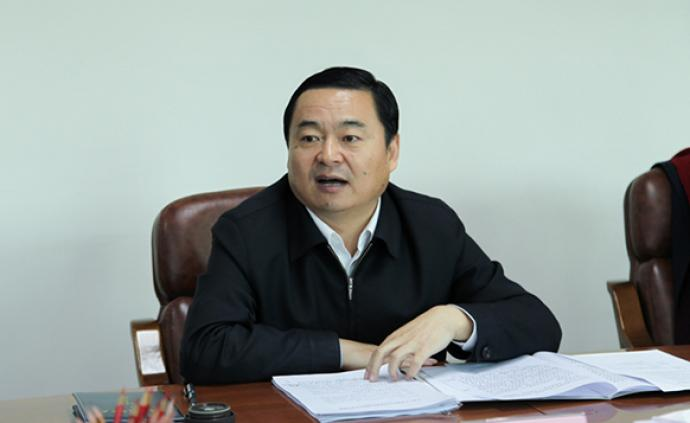 国务院国资委党委书记郝鹏同时担任主任