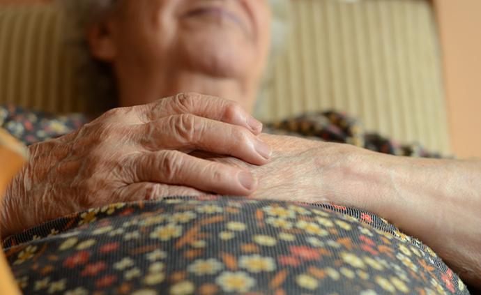 韓國最新研究顯示:老年人太胖或太瘦均提升患癡呆癥風險
