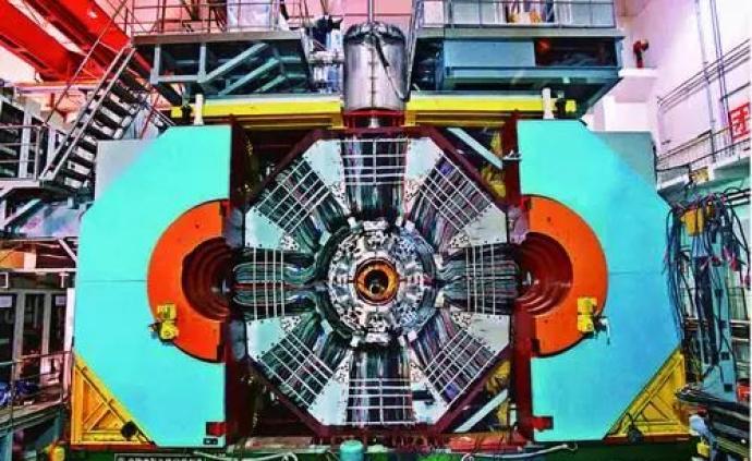 北京正負電子對撞機:撞出粲物理領域三十年領先