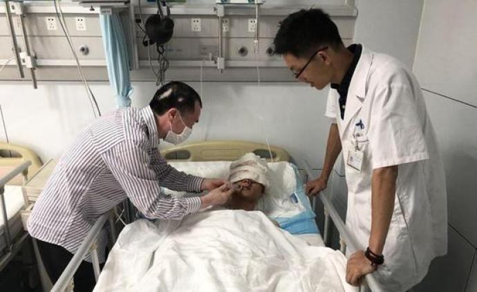 男博士講述被熊襲擊后自救過程:報警止血找水源,害怕睡著