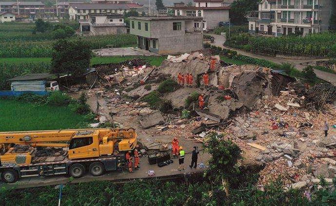 受地震影响四川长宁发往灾区乡镇客运班线取消,恢复时间未定