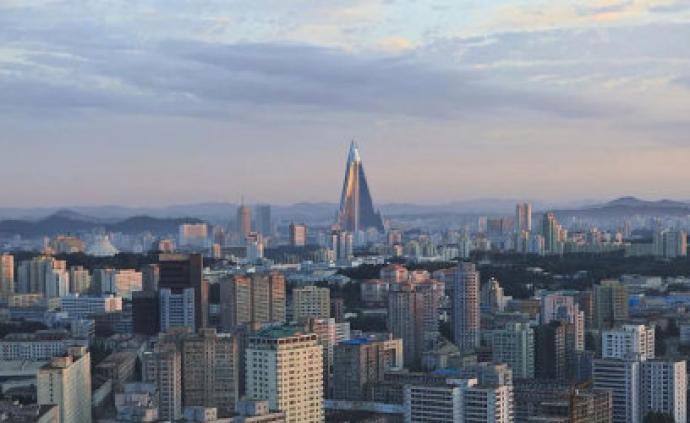 人民日报:实施新战?#26376;?#32447;,朝鲜经济建设取得新成就