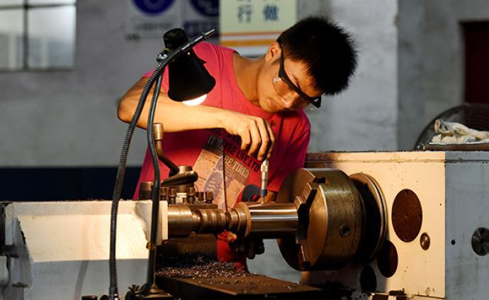 都說弘揚工匠精神,在座哪位領導愿讓自己孩子學技工?