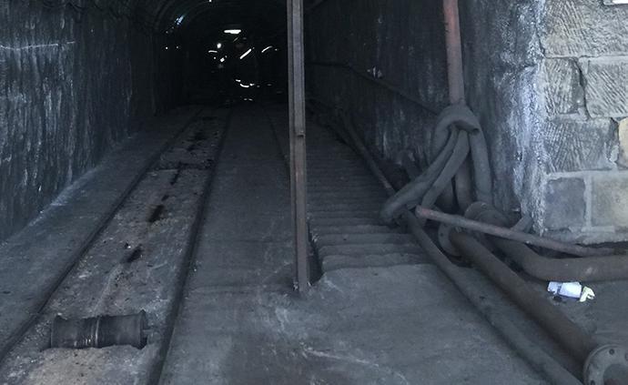 山西宁武县一煤矿发生冒顶事故6人遇难
