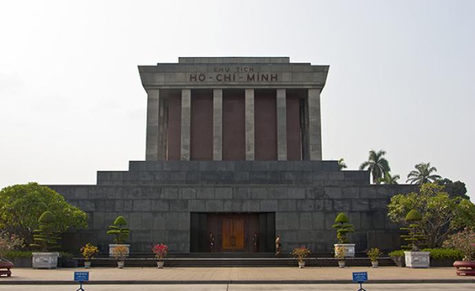 越南将评估胡志明遗体保存状况,4名俄罗斯专家加入专家团队