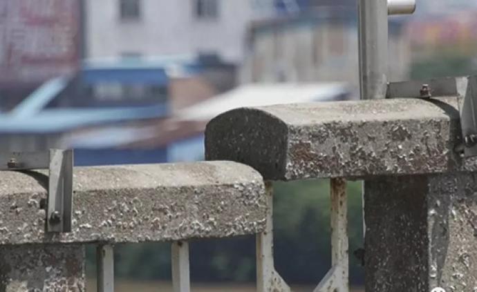 顺德交通局通报龙江大桥下沉原因:桥墩的承台受船舶撞击
