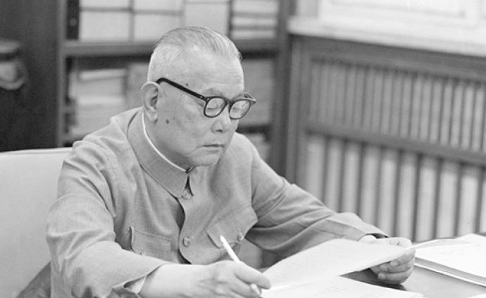 人民日報紀念李先念同志誕辰110周年:畢生奮斗的人民公仆
