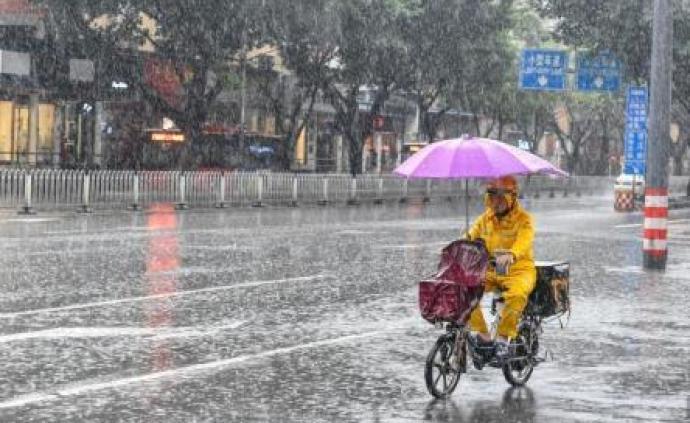 中央气象台:黄淮南部至长江中下游大到暴雨,北方局地强降雨