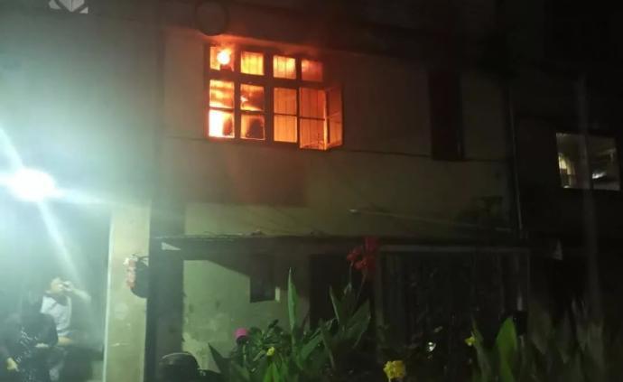 暖聞|凌晨樓下住戶失火,寧波一街道干部只身七進火場撲滅