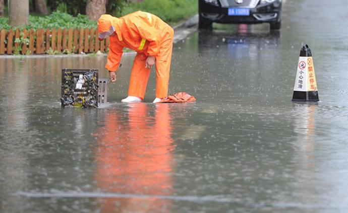 城市内涝调查:排水系统欠账太多 年均百座城市内涝