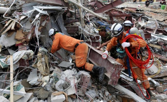 柬埔寨一座中资投建大楼坍塌,已致24死24伤