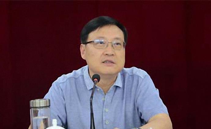 河南省人大社会建设委员会主任委员王耀主动投案,正接受调查
