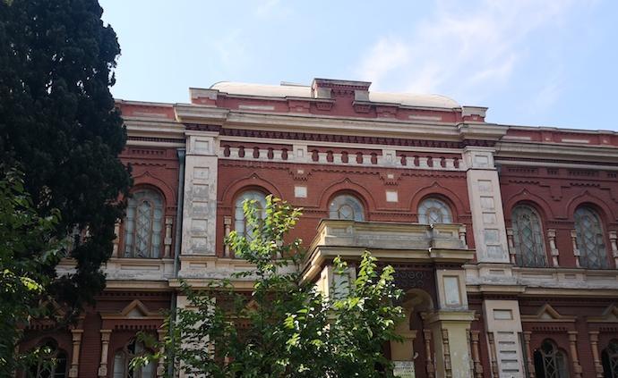 格魯吉亞國立絲綢博物館:館藏的歷史感與當代藝術的激發
