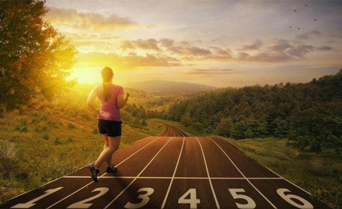 """打卡""""一万步""""竟会伤身?每天3300步中高强度走路就够了"""