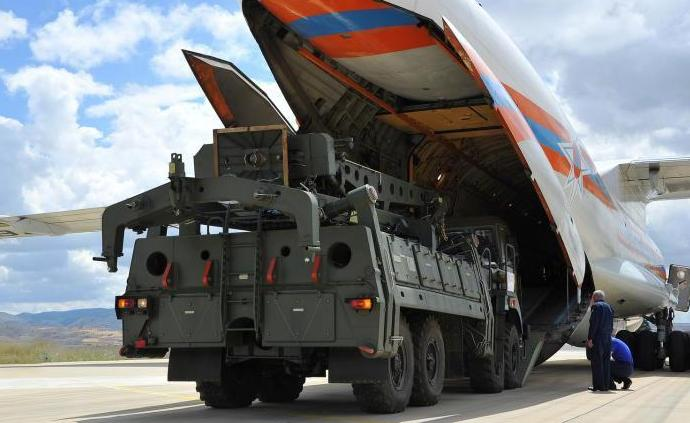 俄军多架运输机连日、按时向土耳其空运S-400导弹?#20302;?>                 <span class=