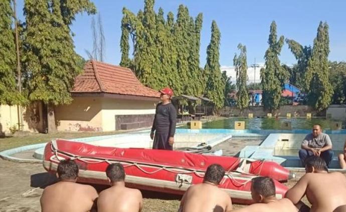 """警察肥胖怎么办?印尼将送50名警察进入""""瘦身营""""集训减重"""