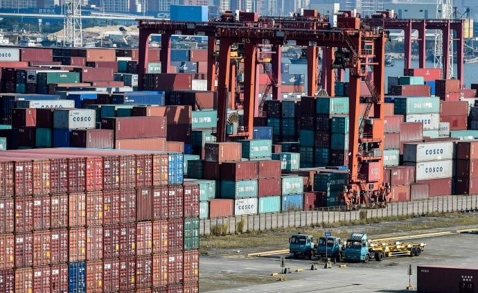 人民日报头版头条关注中国外贸形势:发展有韧劲有后劲