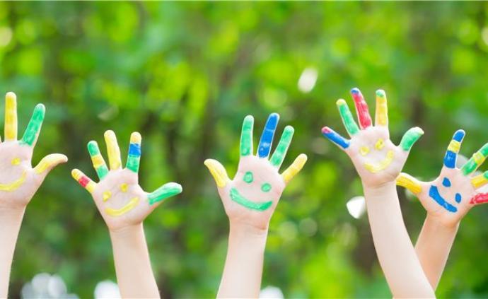 光明日报:全脑开发、右脑教育,早教机构真能让孩子变聪明吗