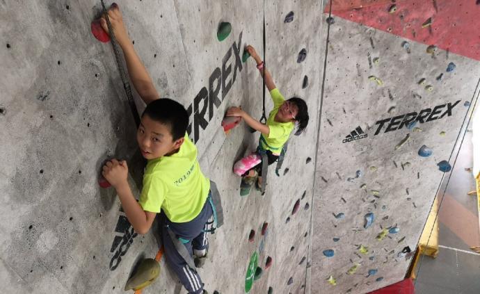 上海这些室内运动场馆,?#22836;?#23401;子满满的精力