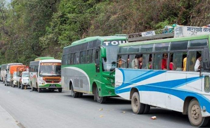 尼泊尔一旅游大巴发生车祸,7名伤者中有4名中国游客