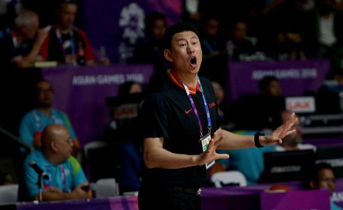 男籃主帥李楠的英語,我們是服氣的