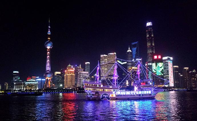 夜上海,夜里游,吃喝玩乐都不愁
