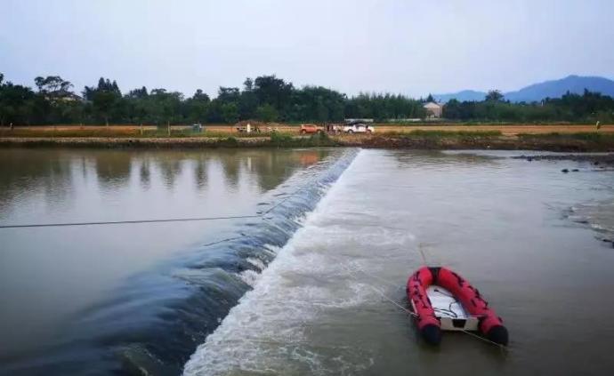 為營救落水群眾,浙江湖州一90后消防隊員被大水卷走失聯