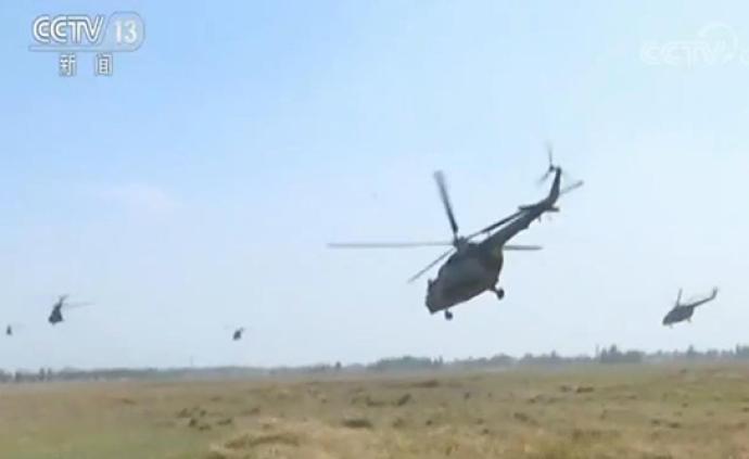 陆军开展实战化空地合成演练:空地立体协同,锤炼突防能力