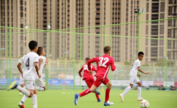 探访|青岛城阳有122片足球场,百姓步行15分钟就能踢球