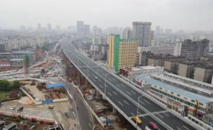 南昌交警官宣:限号车辆上下洪都高架匝道不予处罚