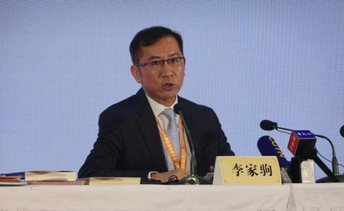 香港出版總會會長:強烈譴責非法暴力示威,期盼盡快恢復秩序