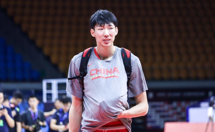 中国男篮今晚迎战强敌巴西,周琦:我们在对抗和经验上有欠缺