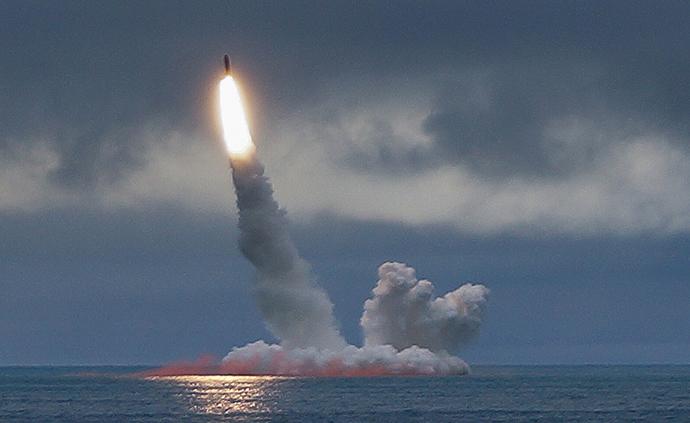 早安·世界|俄罗斯试射两款潜射弹道导弹,成功击中目标