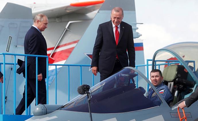 早安·世界|普京與埃爾多安在俄航空展會晤,討論軍事合作