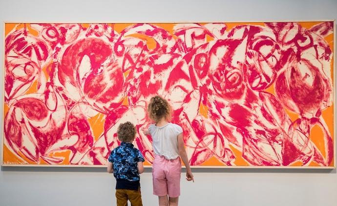 她的藝術生涯一直被丈夫波洛克所遮蔽,倫敦展克拉斯納作品