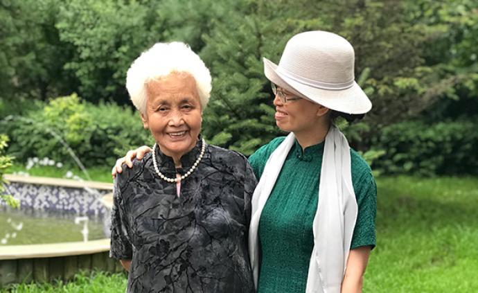 """從文盲到""""女王"""":一個中國農村老太太決定寫作"""