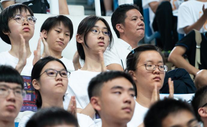 诗词才女武亦姝撰文谈军训初体验:慢慢舒展开大学生活的五味