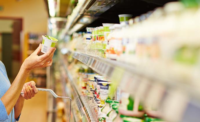 法制日报聚焦:防范临期食品给消费者权益带来侵害