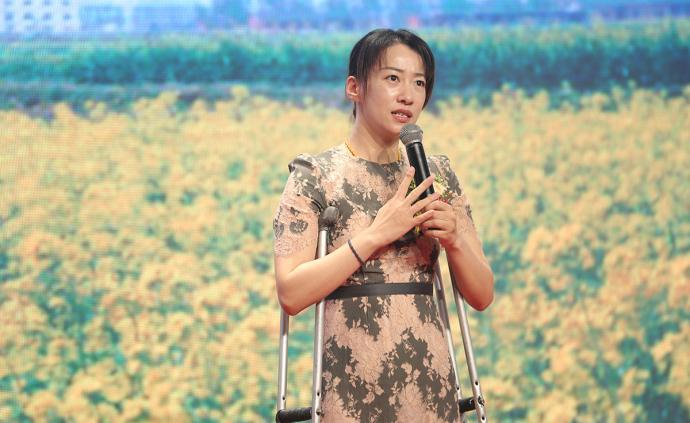 看展览|致敬新女性:《让美随时光绽放》图片展上海站揭幕