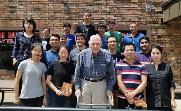 """化學諾獎得主""""足夠好""""爺爺到底多好?他的中國學生們這樣說"""