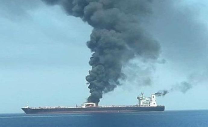 伊朗油輪在沙特港口附近爆炸后漏油,國際油價應聲上漲2%