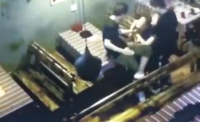 昆明警方通報一女子疑遭摟抱扇打后落水死亡:成立工作組核查