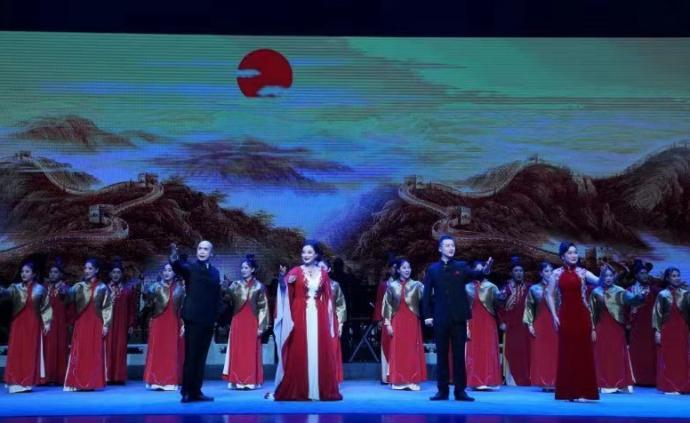 海派京剧组曲《大梦中国》首演,京剧与舞蹈、合唱融合