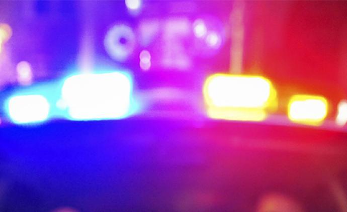 保定警方:18歲男子駕車在停車場口發生碰撞起火4人死亡